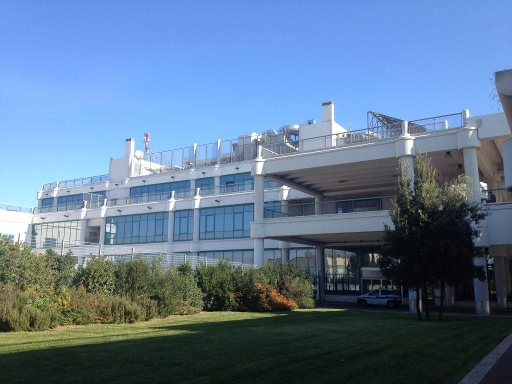 Aeroporto Bari : Armstrong per l aeroporto di bari